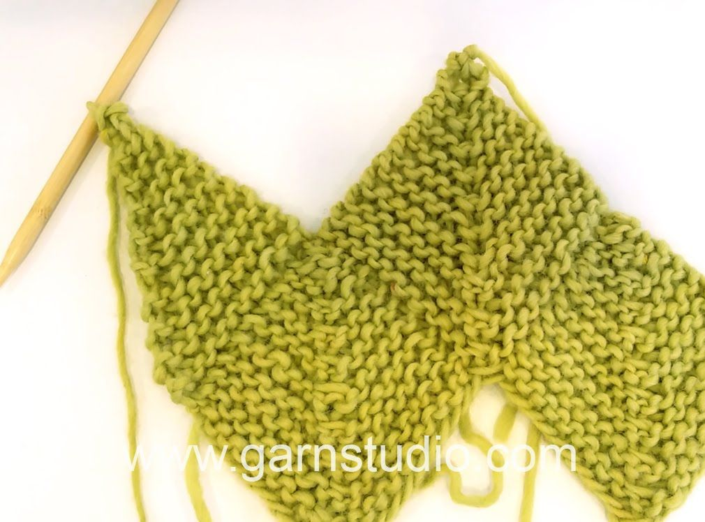 DROPS Knitting Tutorial: How to work a half domino square (vertical ...
