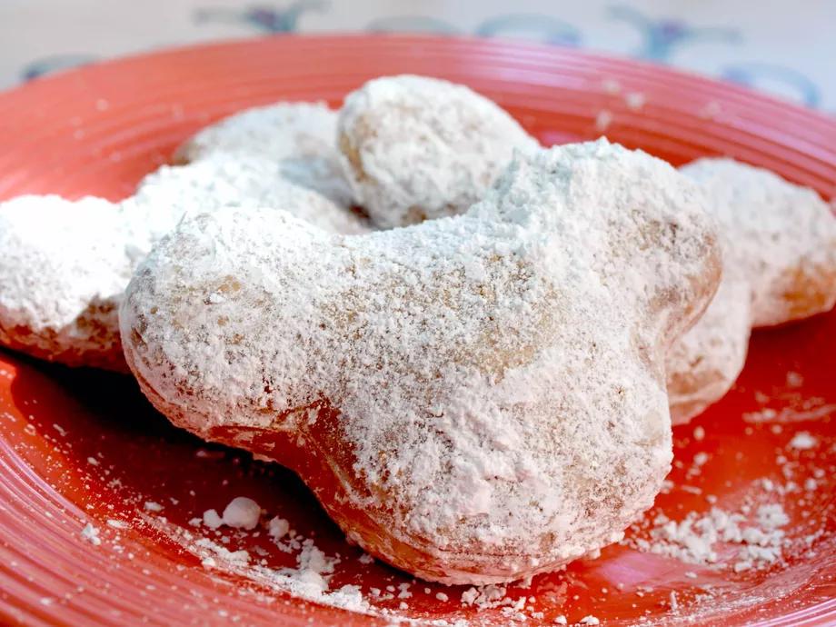 33 delightfully delicious things to eat at Disneyland #disneylandfood