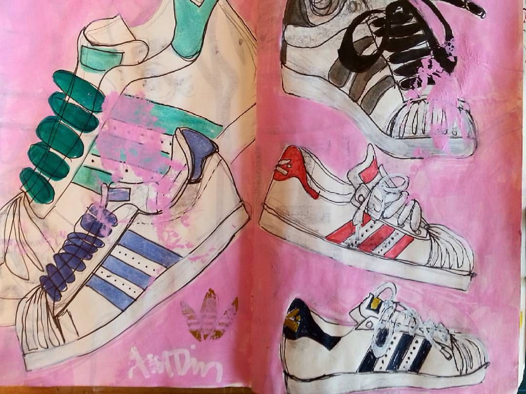 Always wanted a pair of these, but the round toe makes my short stubbies look even more like short stubbies. Some cats make these kicks look cool, yo. #adidas#shoe #2016challenge#sketchbook#drawing#pleasepaymetodrawamd#color (at Seongnam)