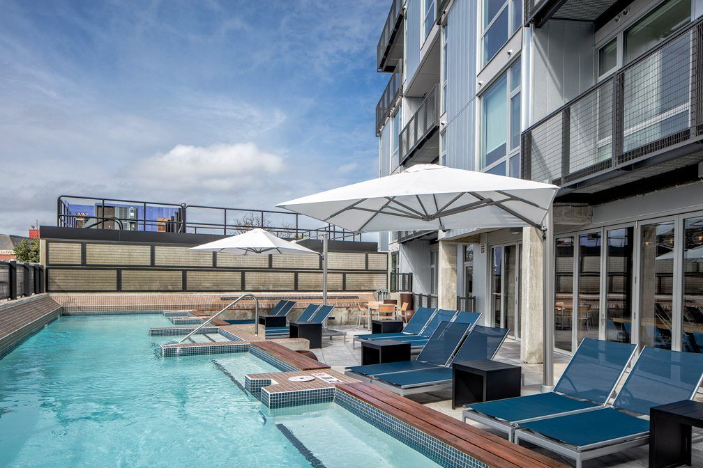 The Best Apartment Rooftop Pools In Dc Apartminty Apartment Pool Apartment Rooftop Apartment Deck