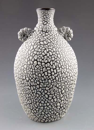 Beaded Glaze over black underglaze | glazes for cone 05 in ...