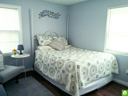 Leonora Offers A Private Room In Conyers Ga Www Roomster Com Listing Profile 3509669 Livetogether Livebetter Furniture Home Decor Decor