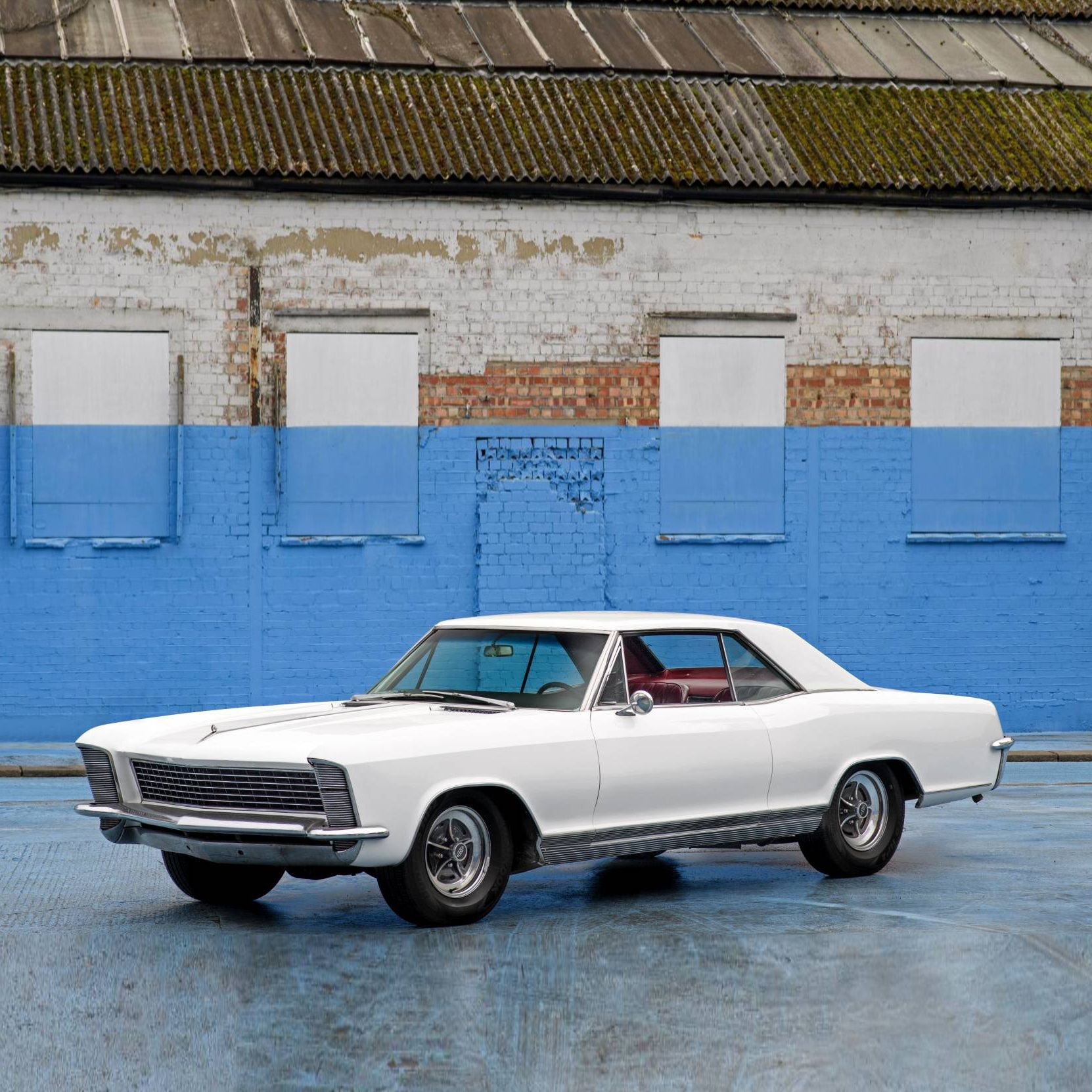Check Out The Duke S Buick A Charming 1965 Buick Riviera Coupe Featuring A Stylish Headlight Design And Its Original 401 Nailhead V8 Engine Comes Finished I In 2020
