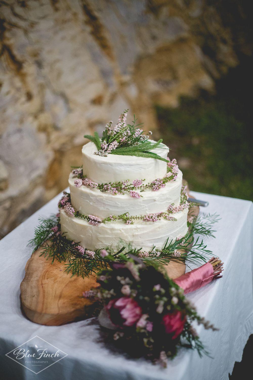Corinne ali home made wedding cake rustic country weddings