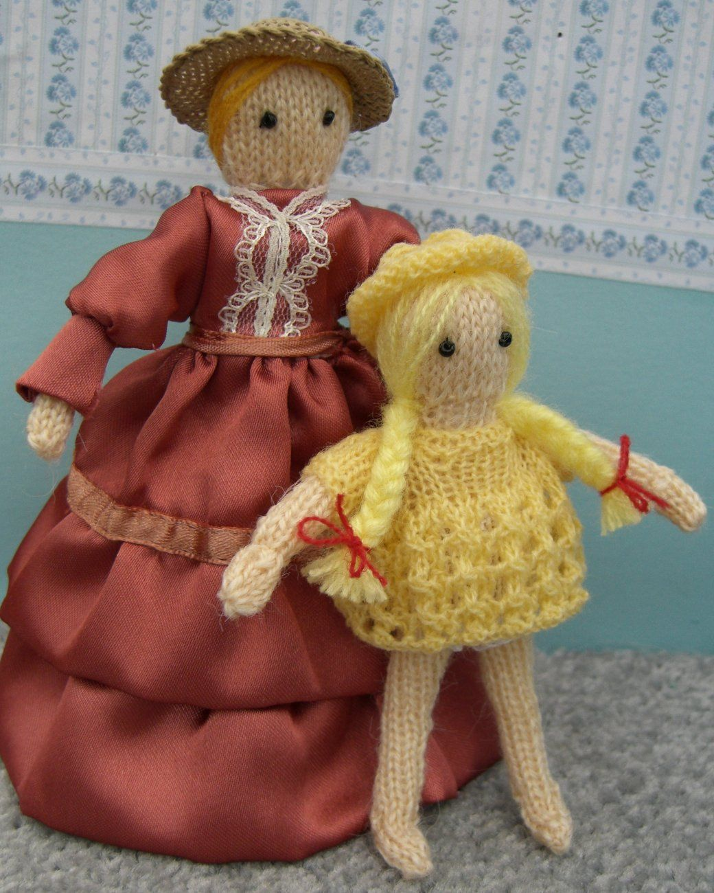 Free miniature knitting pattern - doll house dolls Knits ...