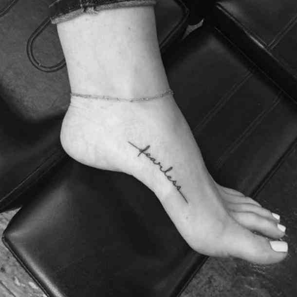 40 Minimalist One-Word Tattoo Ideas That Are Beautiful On Every Woman