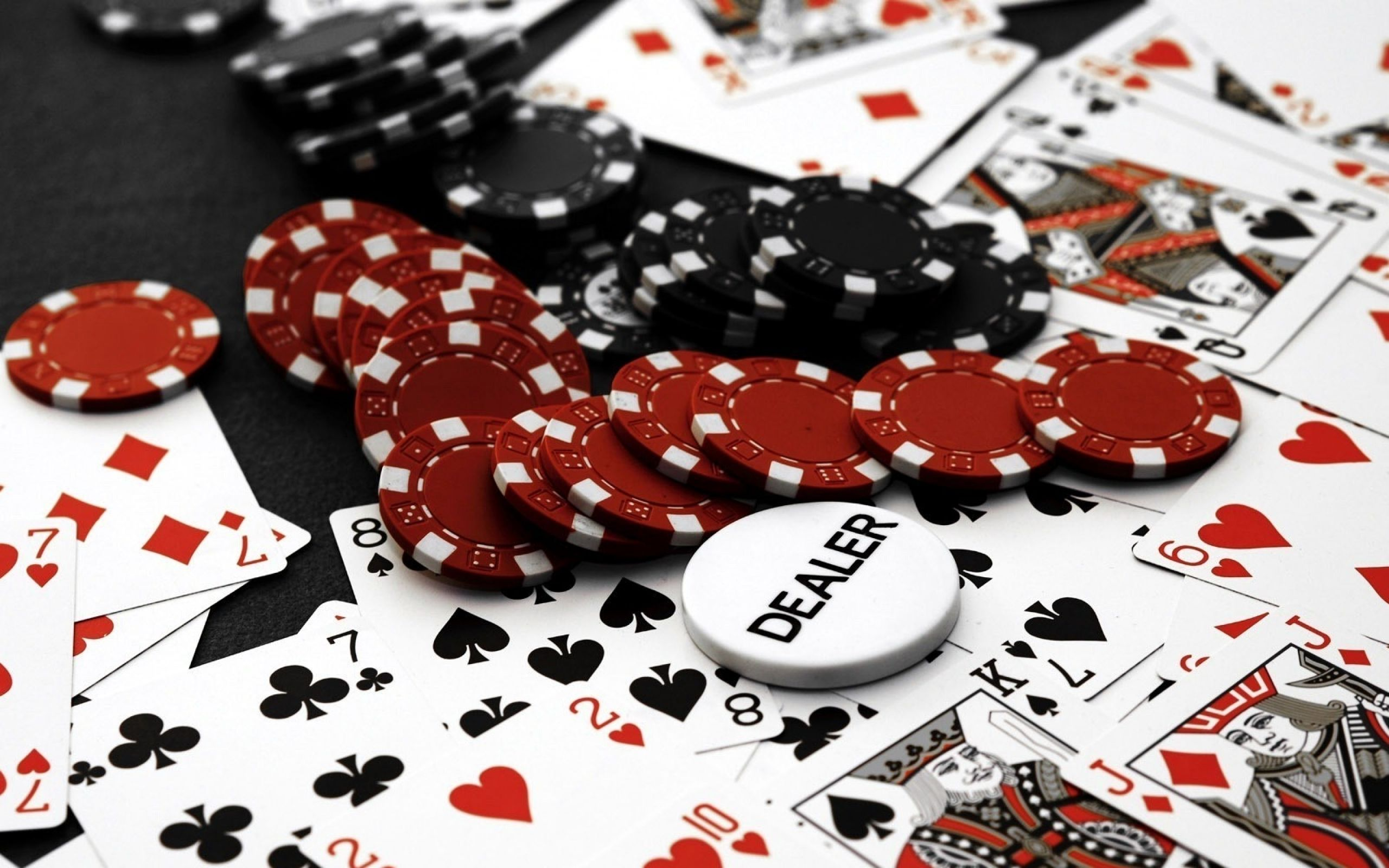 Fonde De Escritorio Con Cartas Y Fichas De Poker Cartas De Poker