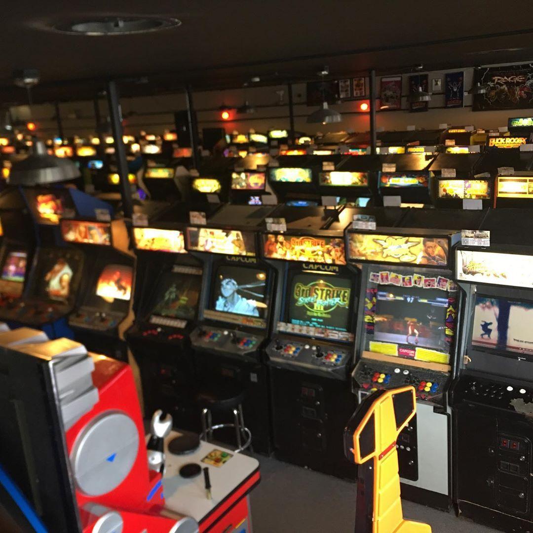 Galloping Ghost Arcade The Largest Arcade In The World 700 Arcade Games Arcade Gallopingghostarcade Videogame Arcade Games Retro Arcade Machine Arcade