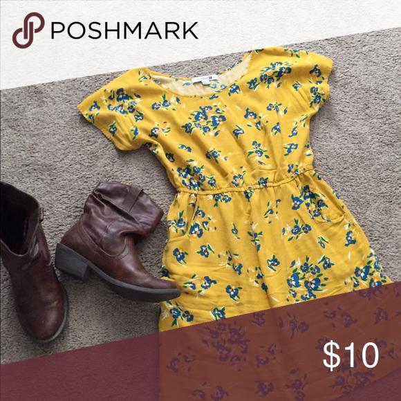 Yellow Dress size medium used Beautiful spring dress Forever 21 Dresses Mini