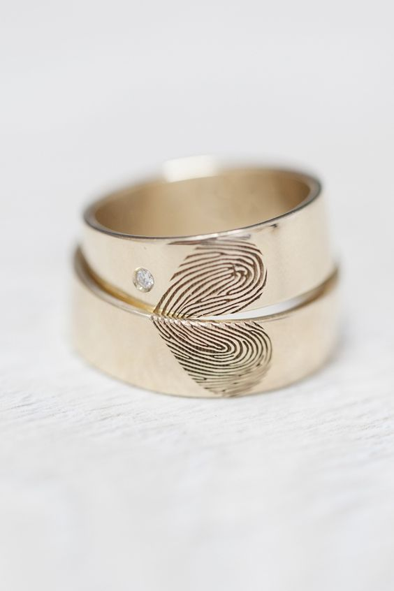14k Gold wedding bands set with world map. Travelers wedding bands. Unique weddi...