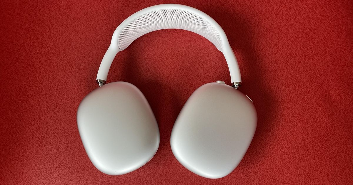 Airpods Max 8 Things You Need To Know If You Bought Apple S New Headphones New Headphones Buy Apple Headphones