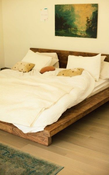 Algo Asi Un Poco Mas Alta Simple Organic Bed Base Bedding