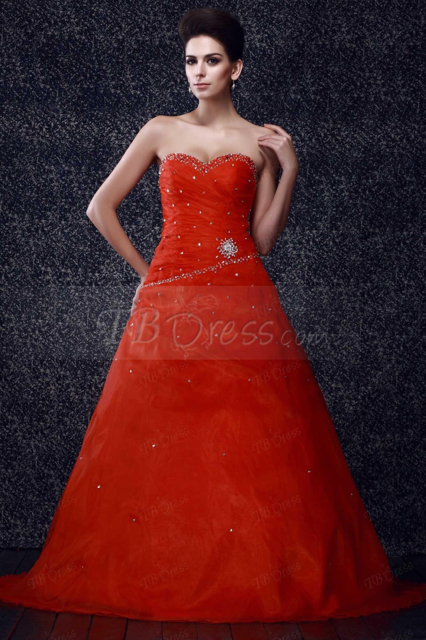 Dramatic aline sweetheart floorlength talineus prom dress