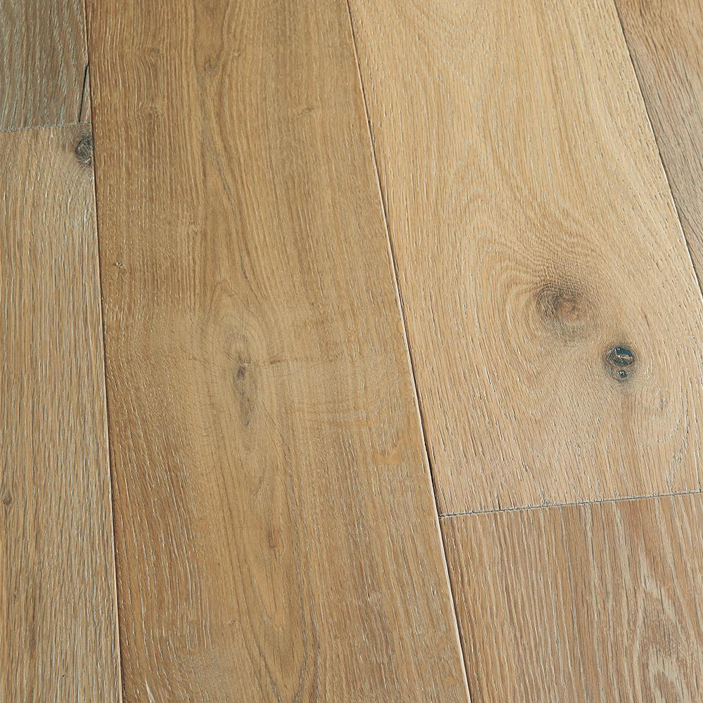 Malibu Wide Plank Take Home Sample French Oak Belmont Click Lock Engineered Hardwood Flooring 5 In X 7 In Hm 038868 The Home Depot In 2020 Engineered Hardwood Flooring Wood