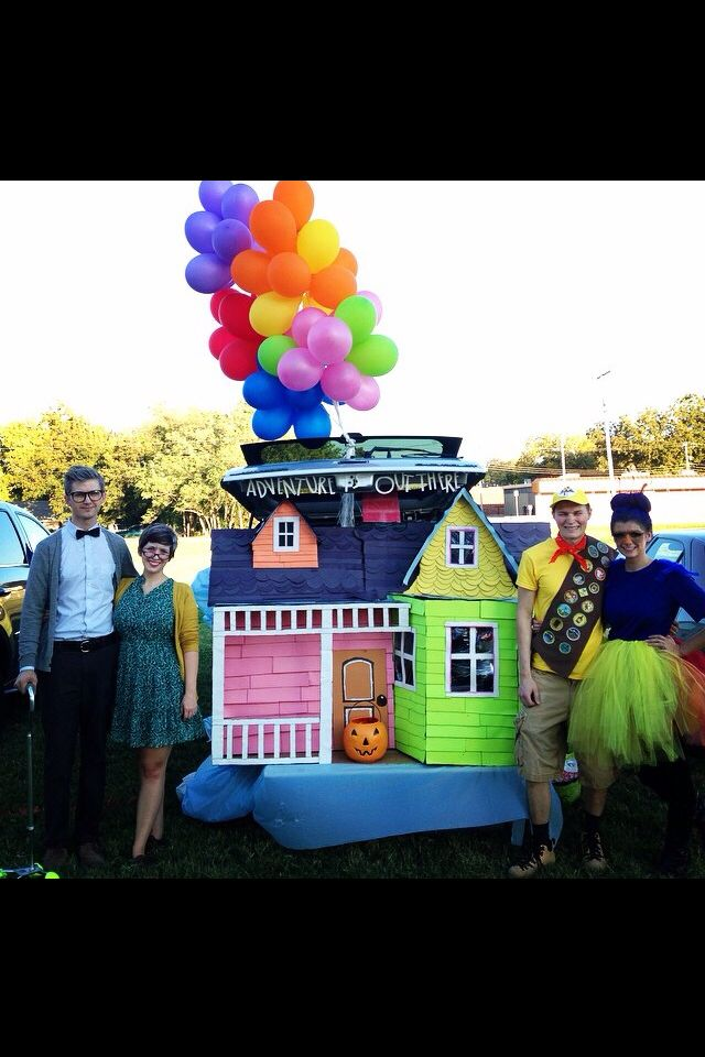 Halloween costume, Up costume, Disney's Up, Halloween Group costume, Trunk or Treat #trunkortreatideasforcarsforchurch