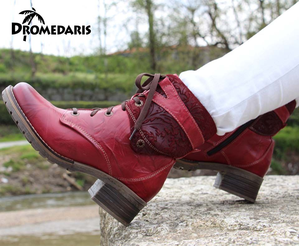Dromedaris - Kara Print Red - Short padded lace-up boot for extra  adjustability,