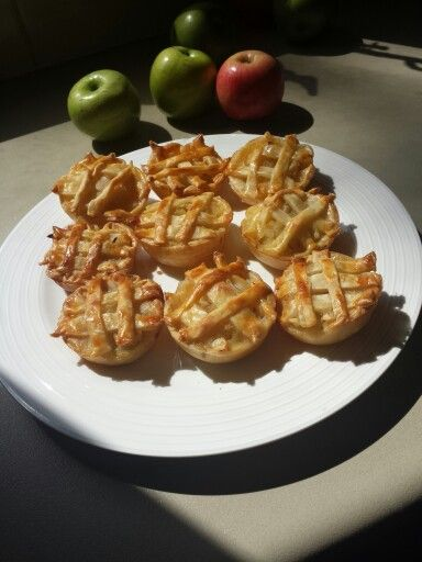 Mini apple pies with honey ❤