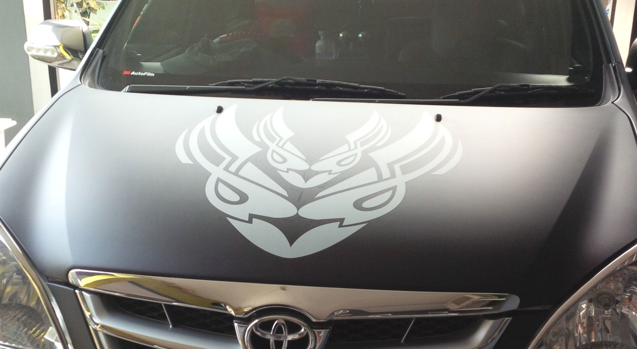 Toyota avanza silver custom grey mate sticker on hood black mate wrapping hood