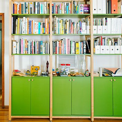 Versatile ideas for a small live work space woods ikea hack and shelving - Small space shelves concept ...