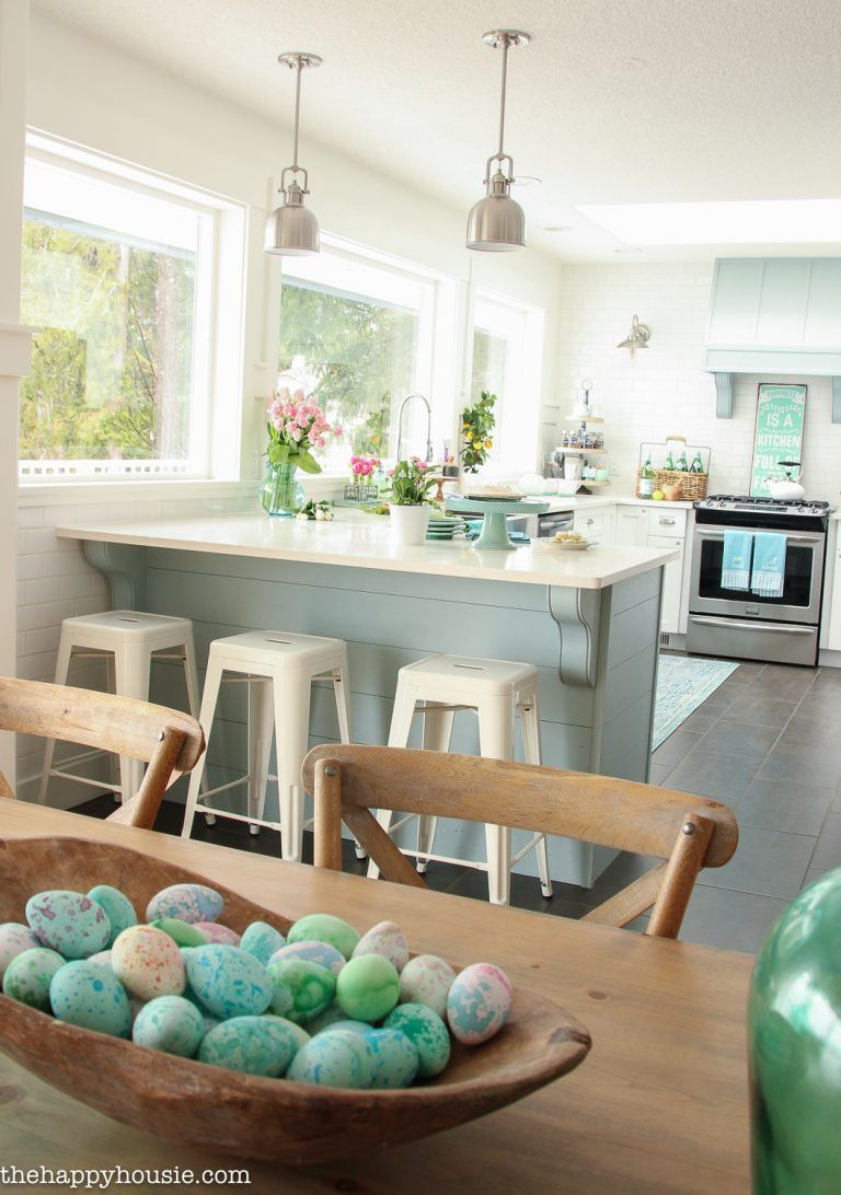 coastal cottage style spring kitchen tour the happy housie casas rh pinterest com