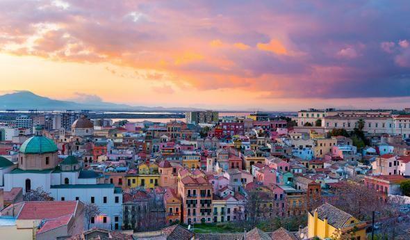 CAGLIARI, dove soggiornare | Sardegna italia, Viaggiare in ...
