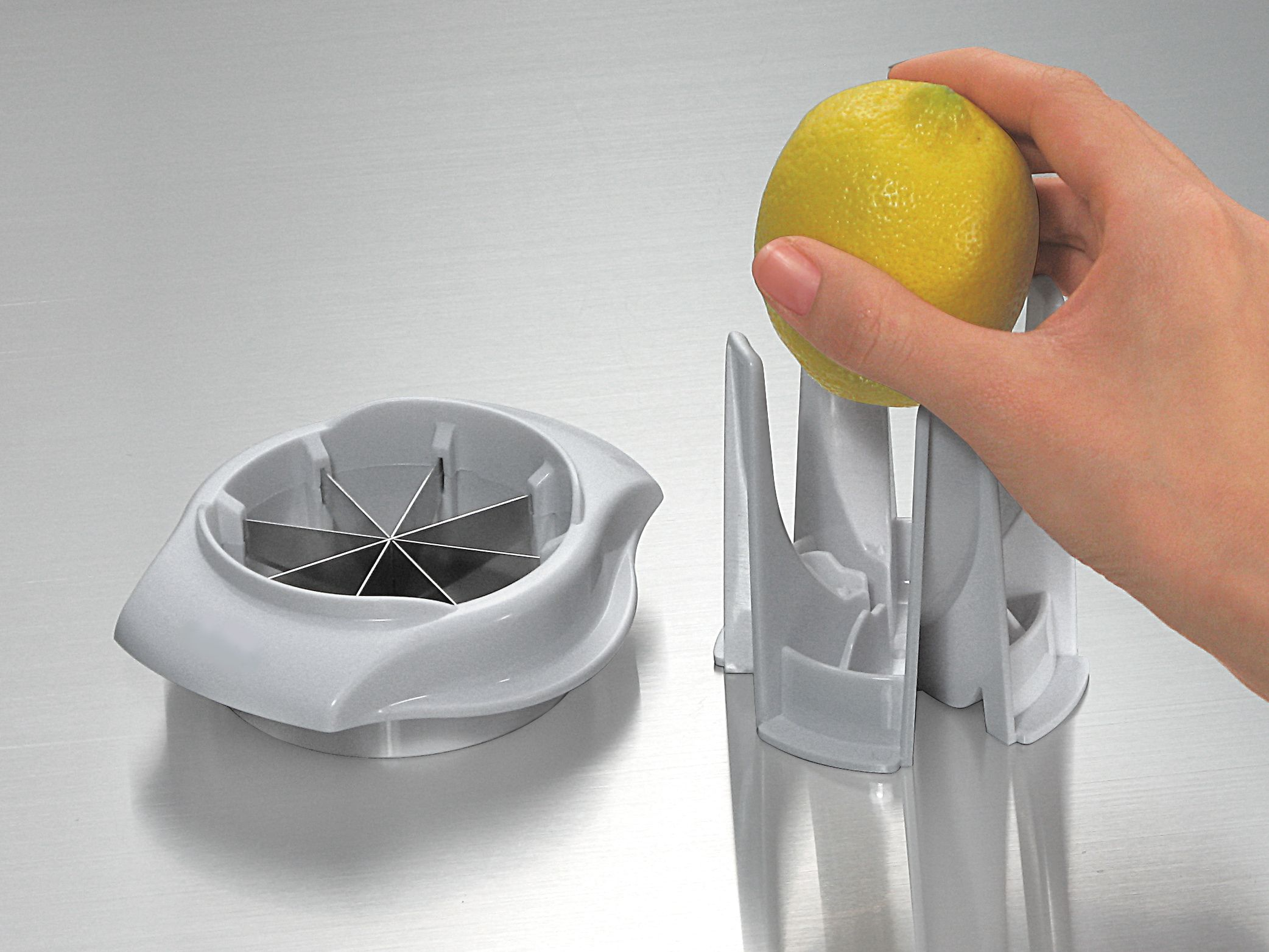 How to slice lemons and limes for drinks — pic 2