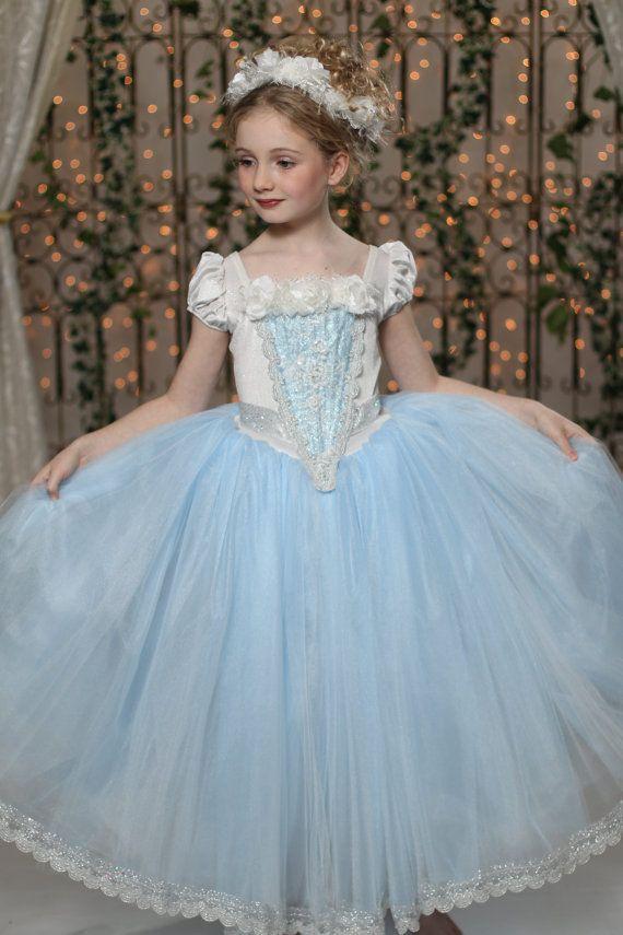ec0b5cf03883 Bleu Rouge Halloween Filles Princesse Costumes Elsa Anna Cosplay Film robe  de fête d anniversaire carnaval Costume Pour Enfants dans Habits de  Nouveauté et ...