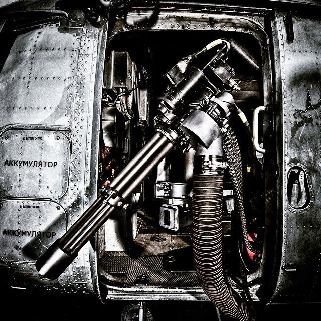 Take a look @dillonaeroinc to see more like this... (M134D in the left door of the Mi-17-V1) #dillon #dillonaero #minigun