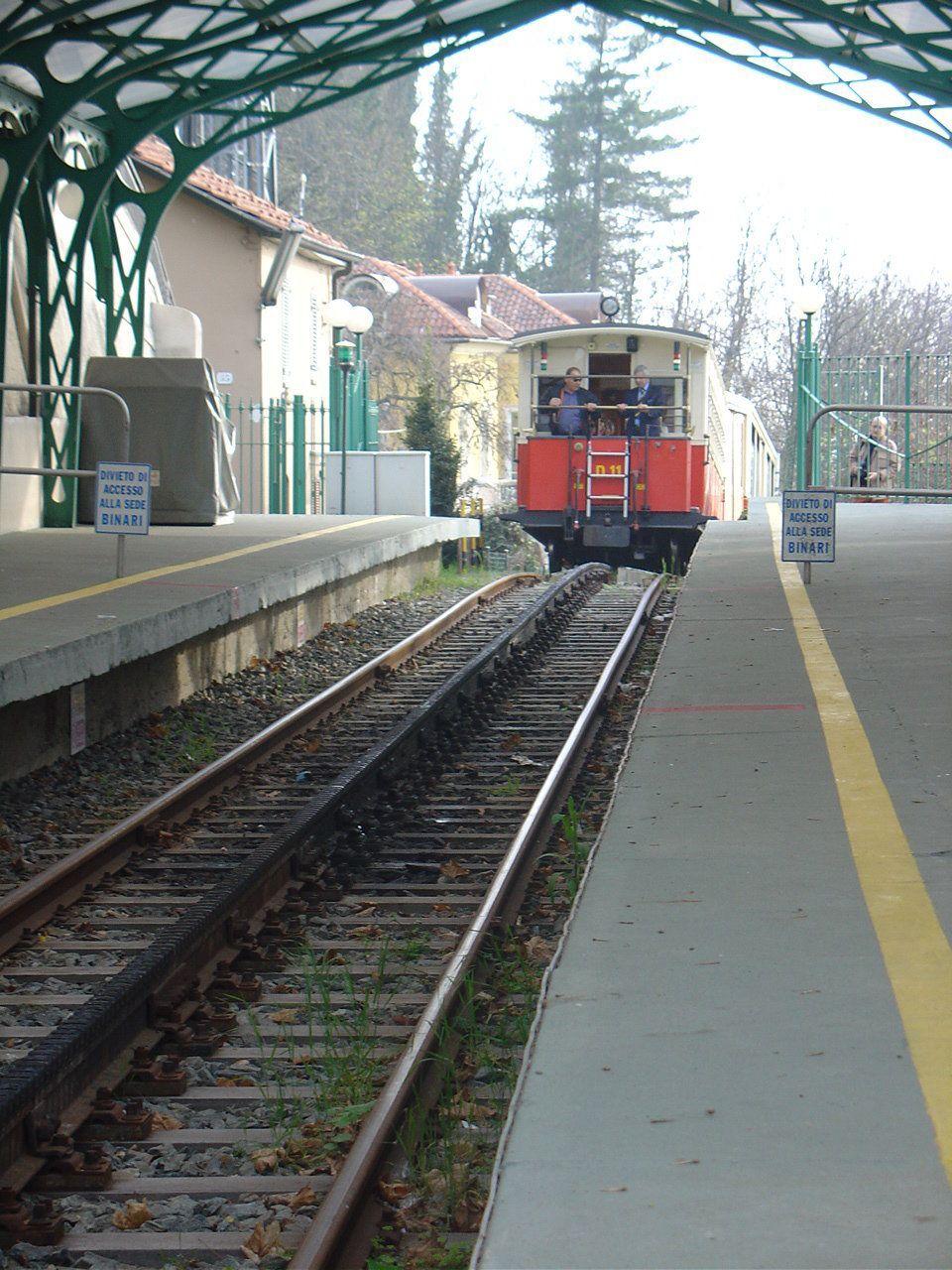 In arrivo alla stazione di Superga