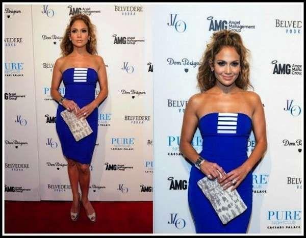 384fc2905b3e8 Jennifer Lopez con tubino blu elettrico e pumps nude