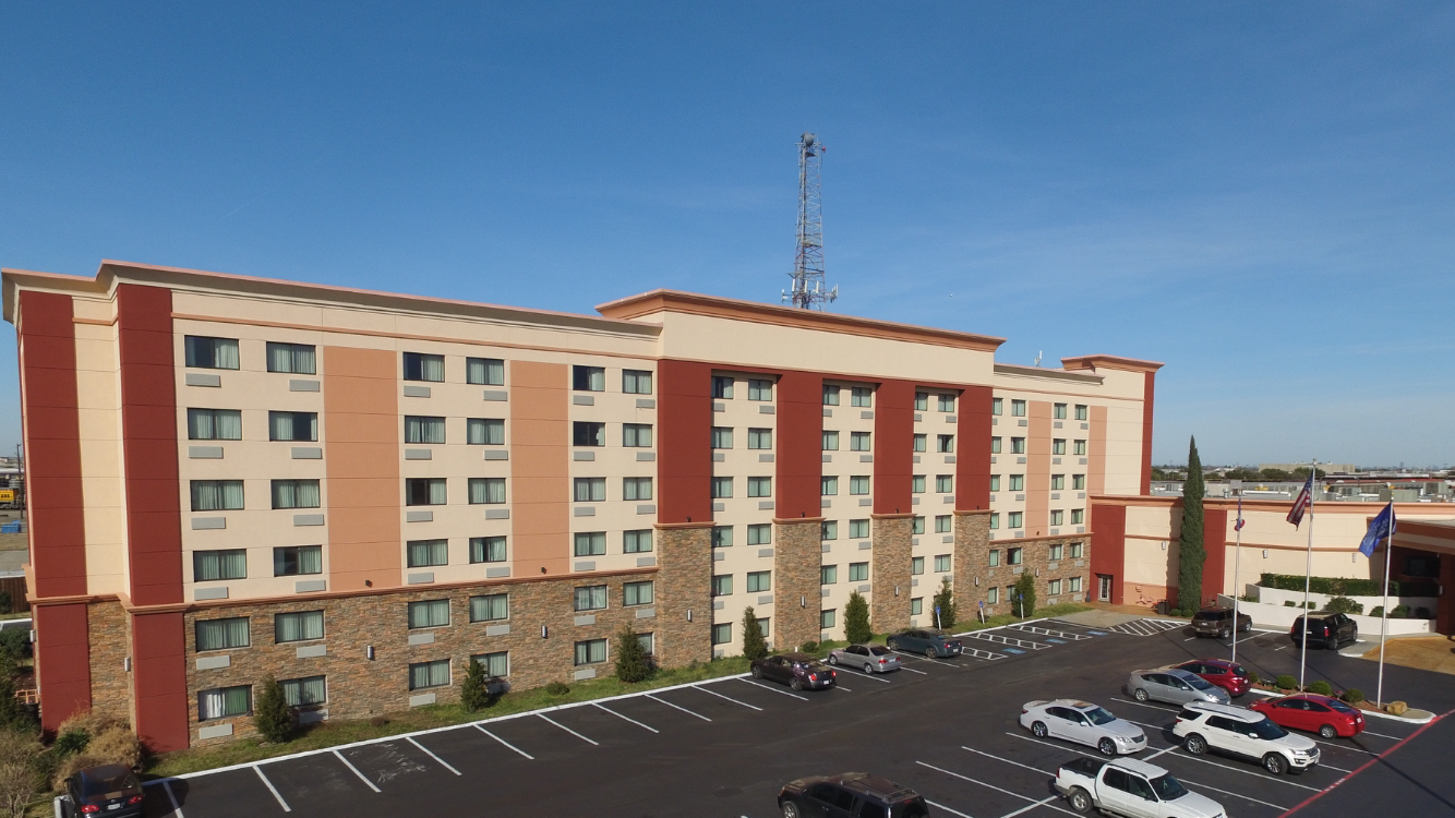 Hotel In Arlington Tx Finding For The Perfect Arlingtontexashotel For Your Luxuriousandbeautiful Experience Then Confirm Lux Hotels Arlington Hotel Hotel Spa