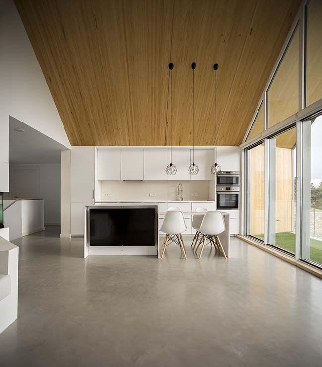 Pitched House par pura arquitectura ,  #Arquitectura #House #par #Pitched #pura