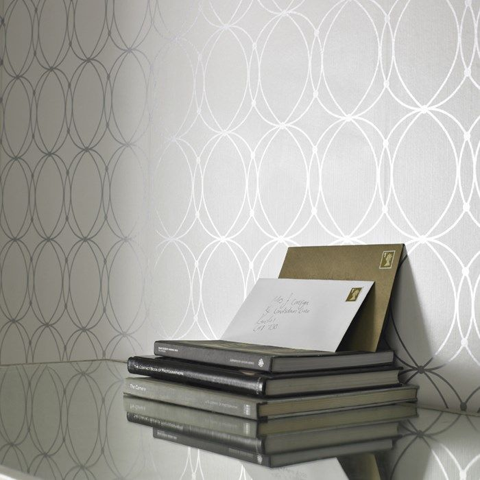 Darcy White Wallpaper Circle Wall Coverings By Graham Brown Silberne Tapete Schicke Tapete Tapete Kuche