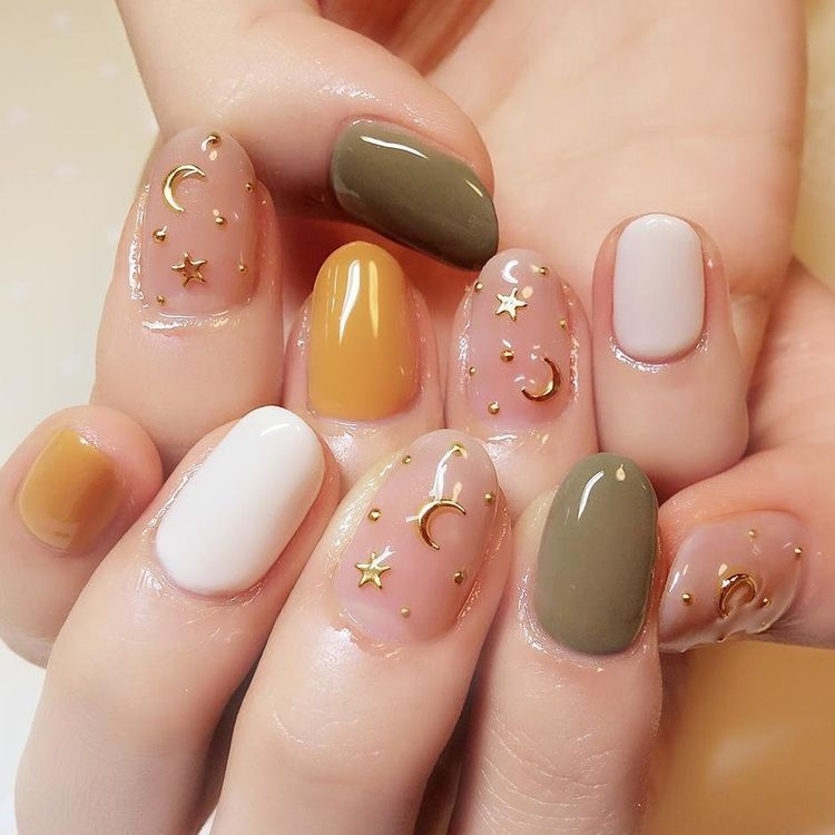 Cool gel nails with golden details maybe not moons. - Olive - Orange - Blush Wow Lookers Pinterest Orange Blush