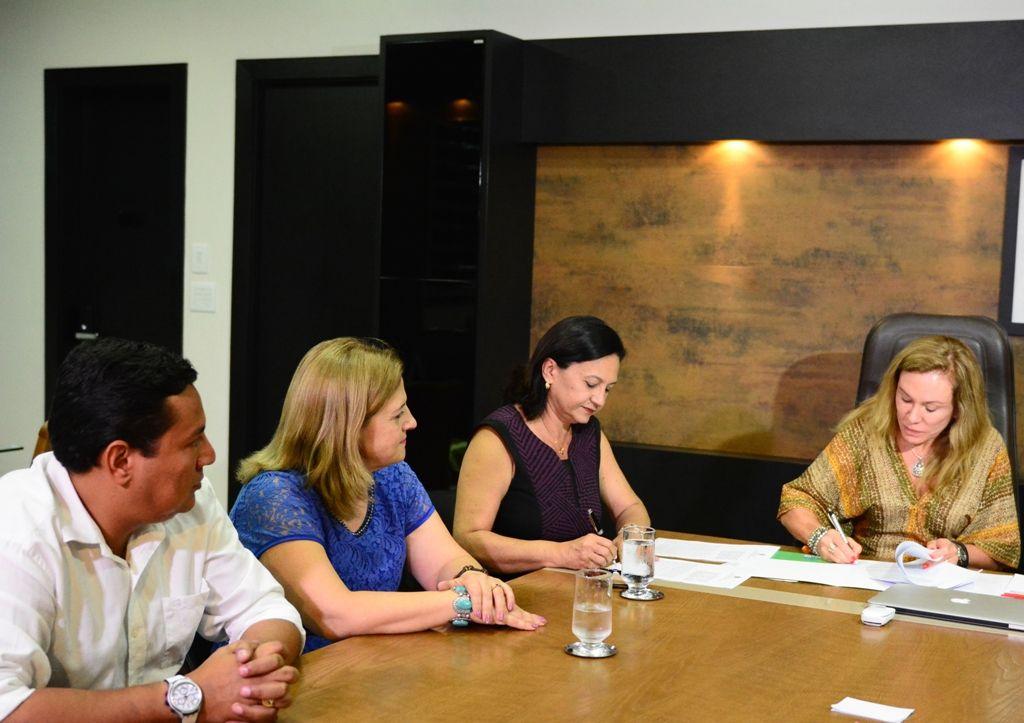 Prefeitura de Boa Vista e o Tribunal de Justiça assinam parceria para inserir direitos humanos na grade curricular #pmbv #prefeituraboavista #boavista #roraima