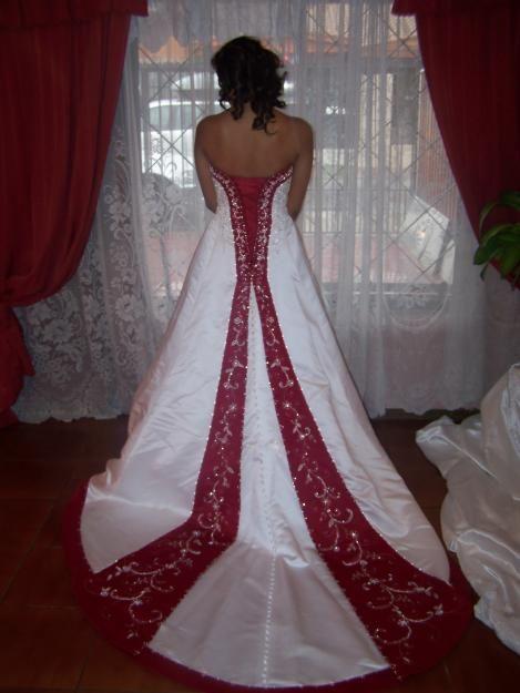 Resultados de la Búsqueda de imágenes de Google de http://images02.olx.cl/ui/20/13/15/1334457431_34250815_1-Fotos-de--Vestidos-de-NoviaVestidos-de-Fiesta.jpg