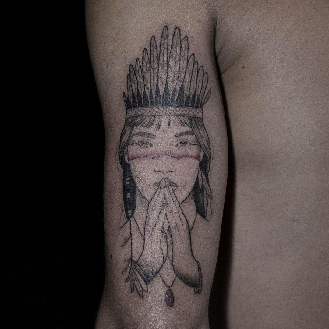 Photo By Yonuncafuianewyork On Instagram Indian Namaste Womantattoo Guarani Indian Tattoo Native American Tattoos Tattoos