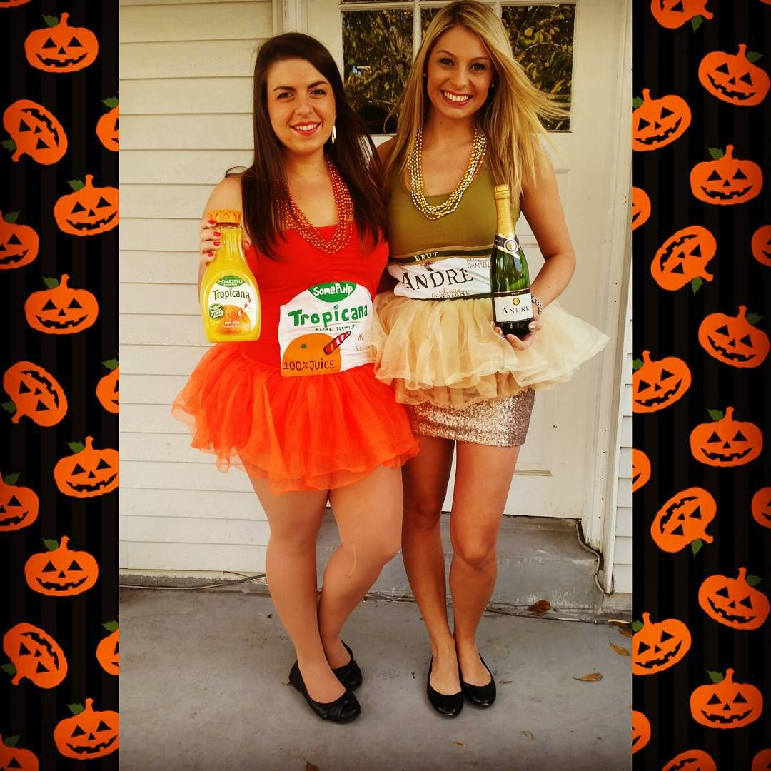 16 Clever Halloween Costumes You And Your Bestie Will Have So Much Fun Wearing Halloween Costumes Friends Best Friend Halloween Costumes Duo Halloween Costumes