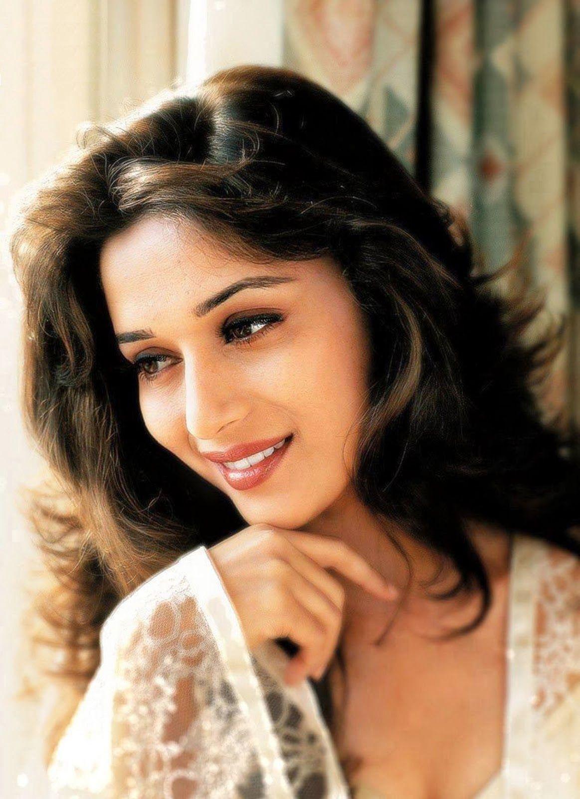давно индийские актеры и актрисы фото с именами них можно