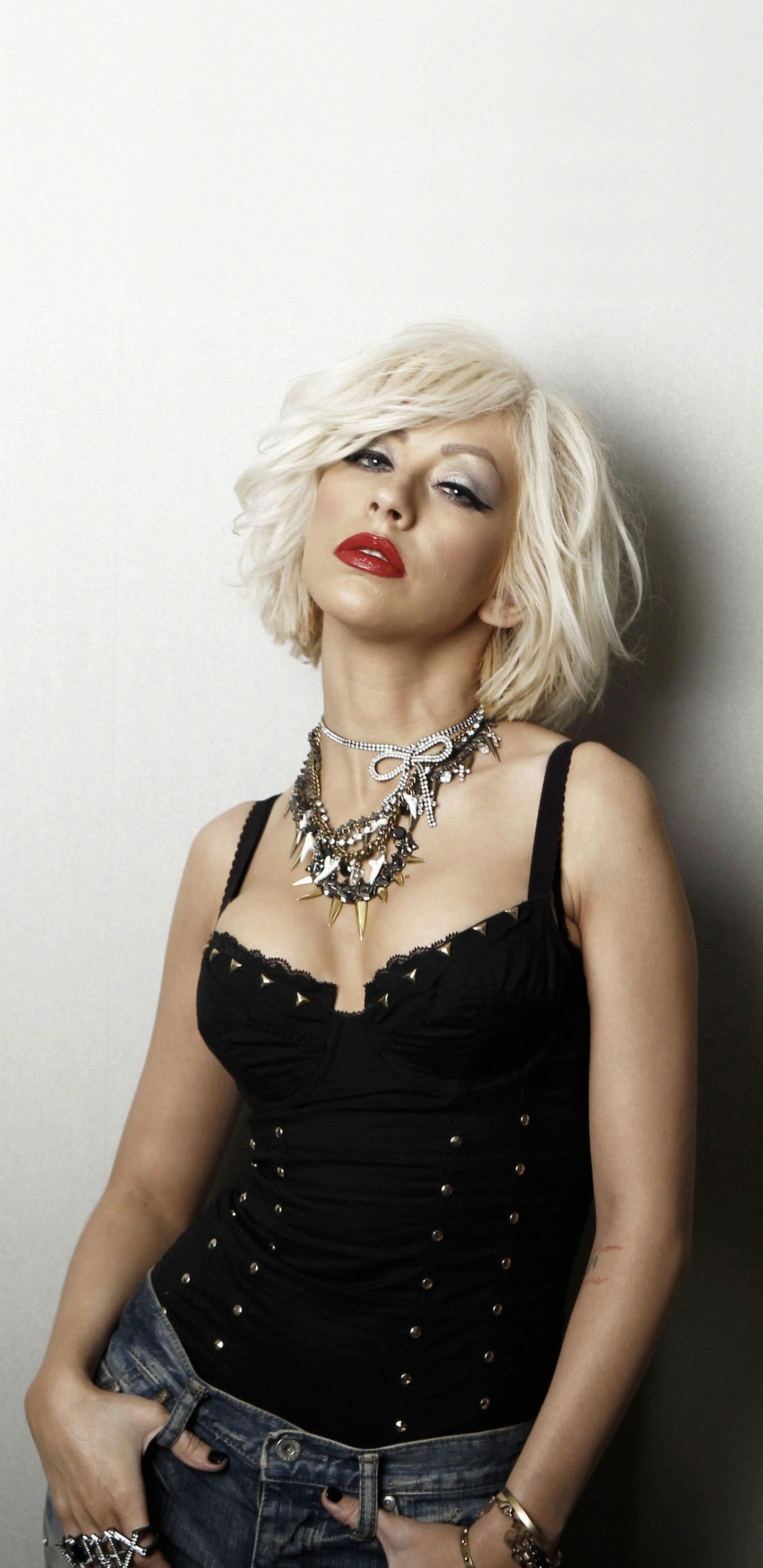 Christina Aguilera Blonde Celebrity 2018 1440x2960 Wallpaper Christina Aguilera The Voice Celebrity Beauty Christina Aguilera