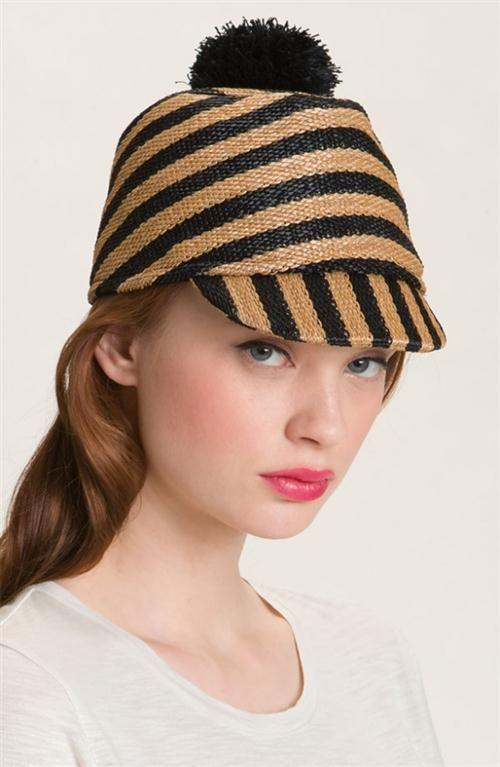 Sombrero  rayas y bola