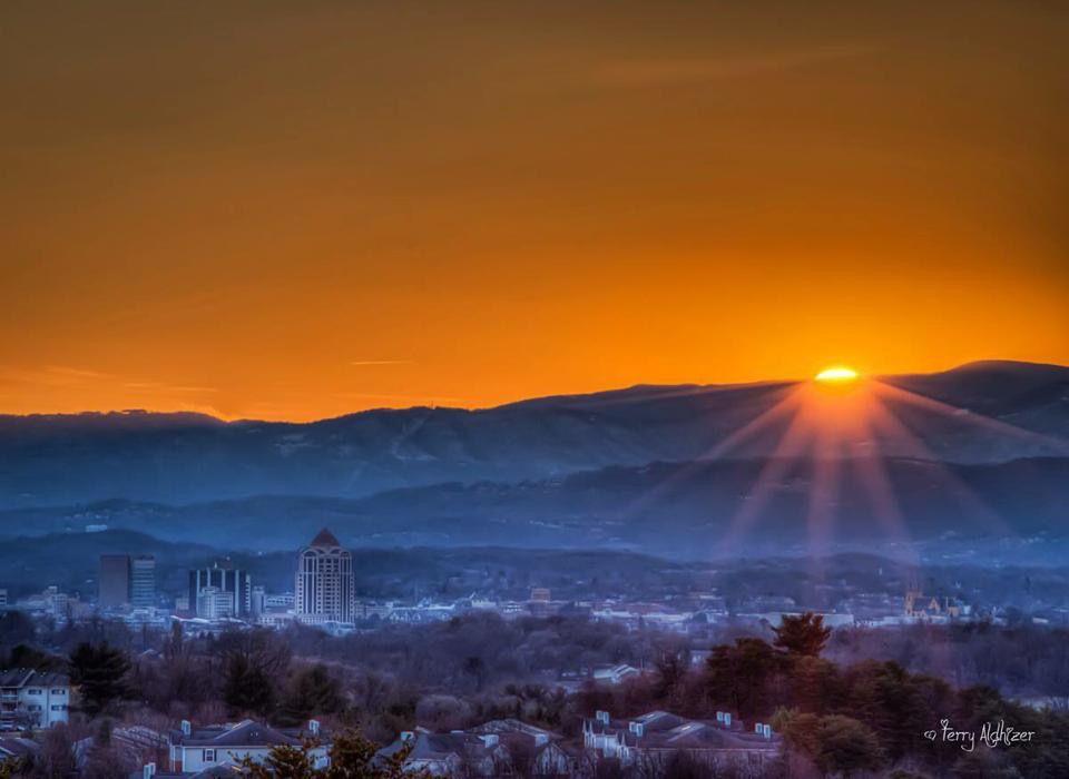 Sunrise Over Roanoke Va Virginia Is For Lovers Roanoke Roanoke Va