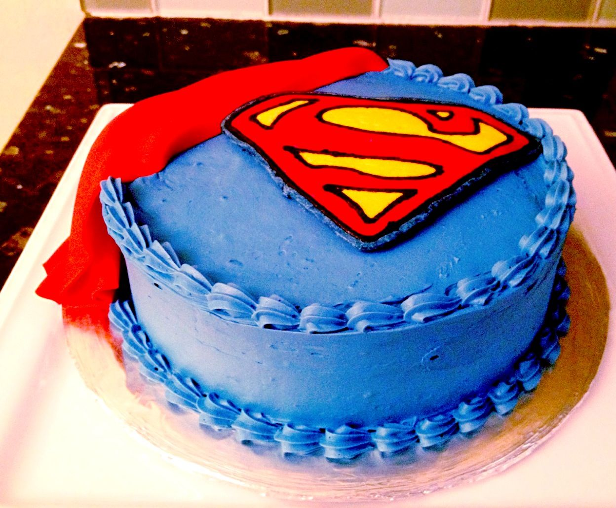 Superman Cake | Superman party ideas | Pinterest
