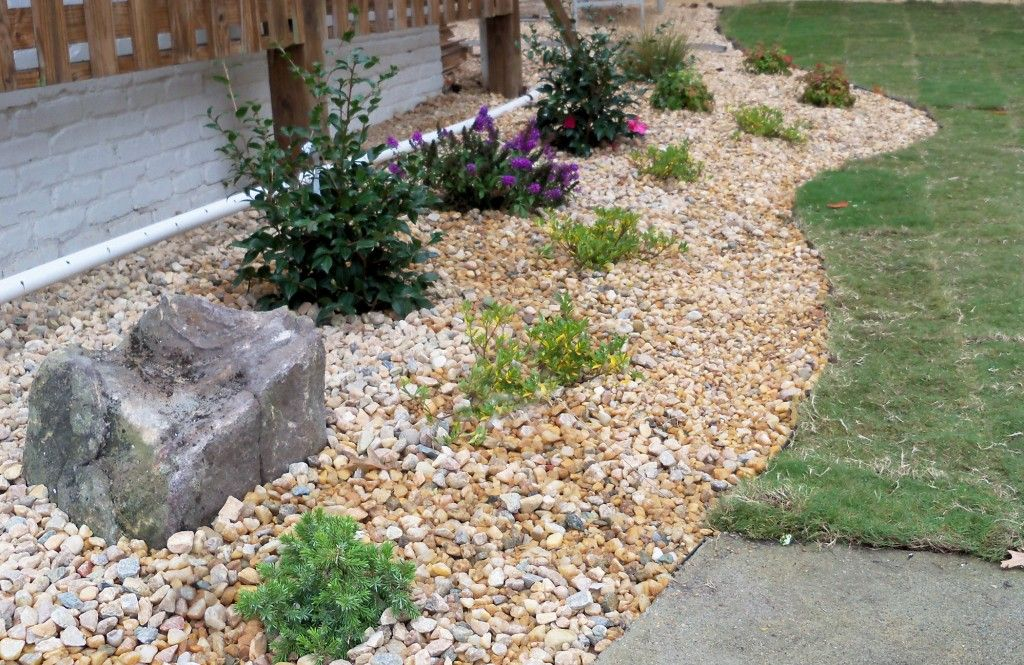 Patio landscaping rock mulch landscaping ideas plants for Landscaping rocks delivered