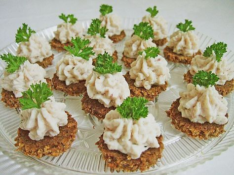 Cracker mit Räucherforellen - Mousse #partyappetizers