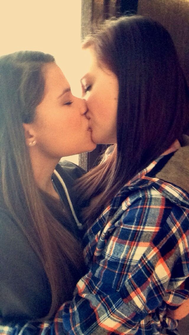 how-lesbians-attract-a-girl