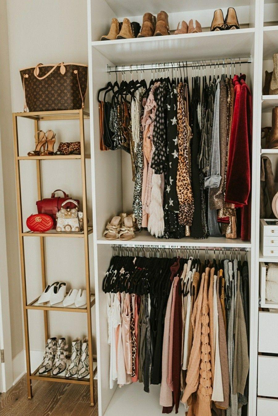 Fabriquer Un Dressing Dans Une Chambre image du tableau dressing de s alma bakri   décoration de