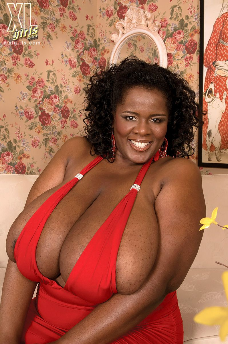 overflowing | bbw | pinterest | bigger breast, curvy and boobs