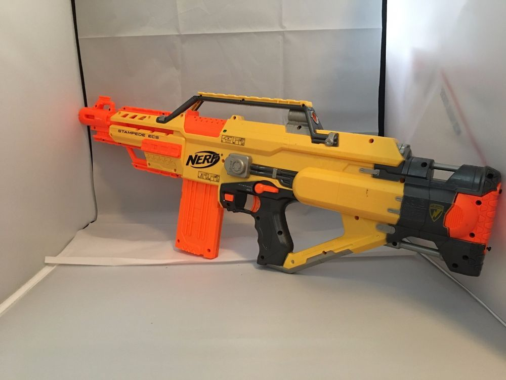 Up for sale is a battery powered NERF Stampede ECS assault rifle. This gun  shows normal signs of use and wear.