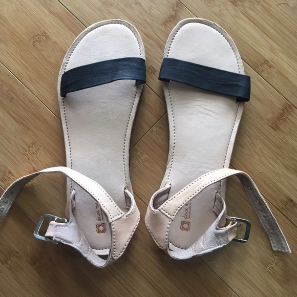 Deux Mains Bel Nanm For Her Sandals Simple, Cute, And